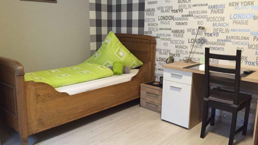 Bed & Breakfast Hotel in Legden mit einem Zweibettzimmer.